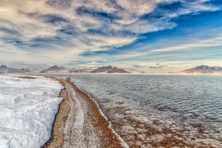 Bonneville Salt Flats Flooded von Winter Rains in Utah, USA Standard-Bild