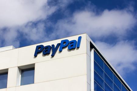 サンノゼ、カリフォルニア米国 - 2014 年 3 月 1 日: PayPal ビジネス本部記号。PayPal は、国際電子商取引の支払いとインターネットを通じて行われるよ 報道画像