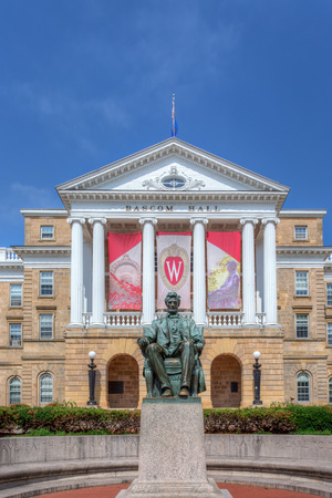 wisconsin flag: MADISON, WIUSA - JUNE 26, 2014: Bascom Hall on the campus of the University of Wisconsin-Madison. The University of Wisconsin is a Big Ten University in the United States.