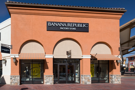 retailer: TEJON RANCH, CAUSA - SEPTEMBER 8, 2014: Banana Republic store exterior. Banana Republic is a clothing and accessories retailer owned by American multinational corporation Gap Inc. Editorial