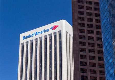 로스 앤젤레스, 캘리포니아  미국 - 2014 년 8 월 30 일 : 뱅크 오브 아메리카 센터 뱅크 오브 아메리카 (Bank of America)는 노스 캐롤라이나 주 샬롯에