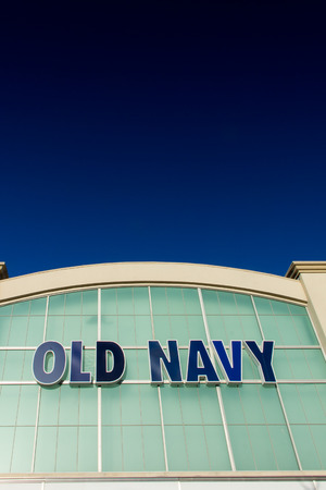 retailer: SANTA CLARITA, CAUSA - SEPTEMBER 9, 2014:  Old Navy store in Salinas California. Old Navy is a clothing and accessories retailer owned by American multinational corporation Gap Inc.