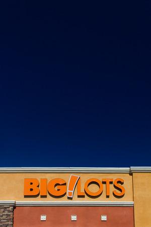 housewares: SANTA CLARITA, CAUSA - NOVEMBER 2, 2014:  Big Lots retail store exterior. Big Lots sells food, housewares and small electronics overstocked merchandise.