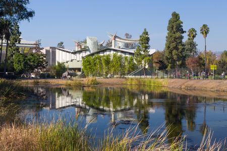los angeles county: LOS ANGELES, CAUSA - NOVEMBER 29, 2014: Los Angeles County Museum of Art. The Los Angeles County Museum of Art (LACMA) is an art museum in Los Angeles.