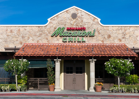northridge: NORTHRIDGE, CAUSA - NOVEMBER 24, 2014: Romanos Macaroni Grill exterior. Romanos Macaroni Grill is a casual dining restaurant chain specializing in Italian-American cuisine.