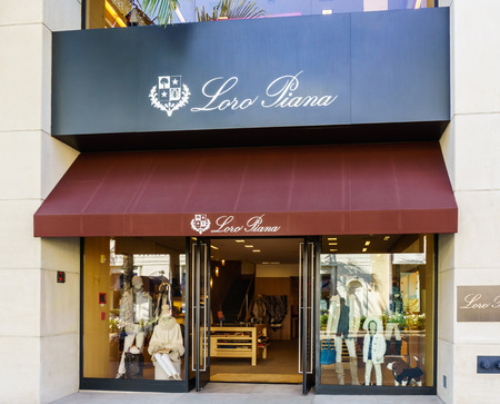 opulent: BEVERLY HILLS, CAUSA - JANUARY 3, 2015: Loro Piana retail store exterior. Loro Piana is an Italian clothing company specialising in high-end, luxury cashmere and wool products.
