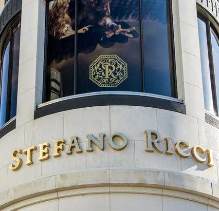 opulence: BEVERLY HILLS, CAUSA - JANUARY 3, 2015: Stefano Ricci retail store exterior. Stefanno Ricci specializes in luxury mens clothing.