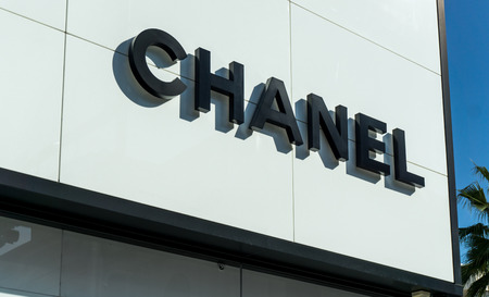 luxury goods: BEVERLY HILLS, CAUSA - JANUARY 3, 2015: Chanel retail store exterior. Chanel  is a French high fashion house that specializes in ready-to-wear clothes, luxury goods and fashion accessories. Editorial