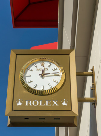 opulence: BEVERLY HILLS, CAUSA - JANUARY 3, 2015: Rolex retail store exterior. Rolex designs, manufacturers, distributes and services wristwatches sold under the Rolex and Tudor brands. Editorial