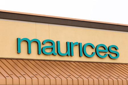 retail chain: Albertville, MN  USA - 16 gennaio 2015: Maurices esterno di vendita al dettaglio. Maurices � una catena di abbigliamento al dettaglio americano con sede a Duluth, Minnesota.