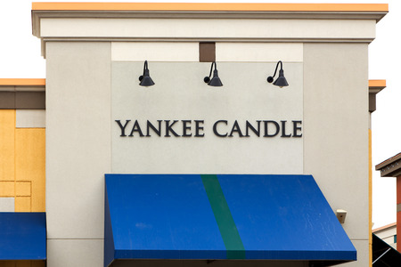 retailer: MAPLE GROVE, MNUSA - JANUARY 16, 2015:  Yankee Candle retail store exterior. The Yankee Candle Company is an American manufacturer and retailer of scented candles.