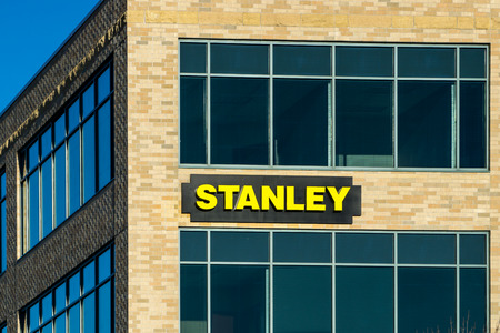 MAPLE GROVE, MNUSA - JANUARY 18, 2015: Stanley corporate headquarters and sign. Stanley Hand Tools is a brand of hand tools and a division of Stanley Black and Decker. Редакционное