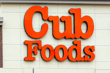 commercialism: BLOOMINGTON, MNUSA - JANUARY 21, 2015: Cub Foods retail store exterior. Cub Foods is a supermarket chain with seventy-three stores in Minnesota and Illinois.