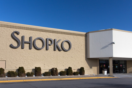 american midwest: ROCHESTER, MNUSA - JANUARY 19, 2015: Shopko retail store and sign. Shopko is a chain of retail stores in the American midwest.