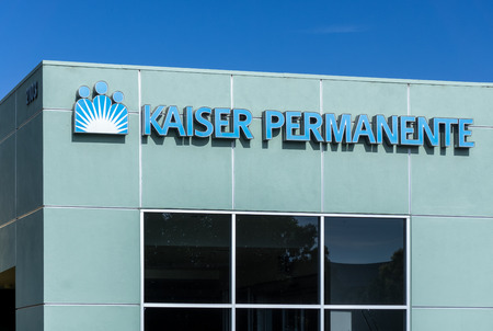 health care provider: LOS ANGELES, CAUSA - JULY 12, 2015: Kaiser Permanente medical care facility. Kaiser Permanente is an integrated managed care consortium, based in Oakland, California.