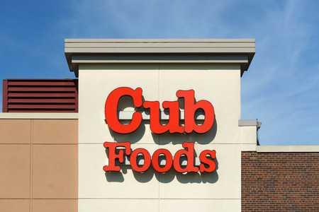 commercialism: BLOOMINGTON, MNUSA - AUGUST 5, 2015: Cub Foods retail store exterior. Cub Foods is a supermarket chain with seventy-three stores in Minnesota and Illinois.