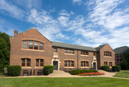 liberal: GRINNELL, IAUSA - AUGUST 8, 2015: Steiner Hall on the campus of Grinell College. Grinnell College is a private liberal arts college  known for its rigorous academics and tradition of social responsibility.