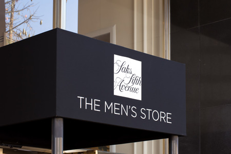 fifth avenue: LOS ANGELES, CAUSA - NOVEMBER 11, 2015: Saks Fifth Avenue Mens Store entrance. Saks Fifth Avenue is an American luxury department store.