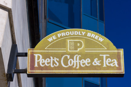 retailer: LOS ANGELES, CAUSA - NOVEMBER 11, 2015: Peets Coffee and Tea exterior and sign. Peets Coffee is a San Francisco Bay Area based specialty coffee roaster and retailer.