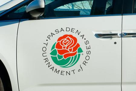 rose bowl parade: PASADENA, CAUSA - DECEMBER 31, 2015: Pasadena Tournament of Roses Association vehicle