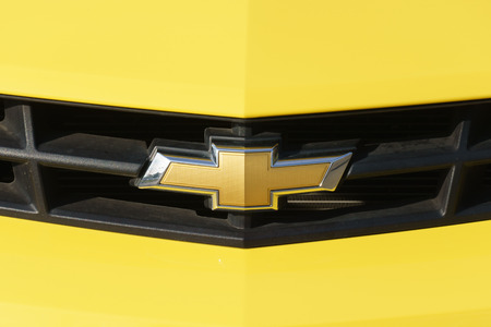 chevrolet: VALENCIA, CAUSA - JANUARY 13, 2016: Chevrolet automobile grille and logo. Chevrolet is an automobile manufactuer and part of General Motors.