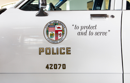 police: SIMI VALLEY, CAUSA - JANUARY 23, 2016: Los Angeles police department squad car logo and emblem. Editorial