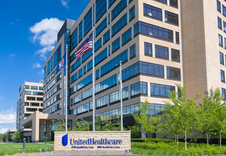hmo: MINNETONKA, MNUSA - MAY 29, 2016: UnitedHealthcare corporate headquarters exterior and sign. UnitedHealth Group Inc. is an American diversified managed health care company.