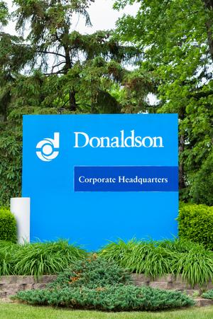filtraci�n: Bloomington, MN  EE.UU. - 23 de mayo, 2016: sede de Donaldson Company exterior y el logotipo. Donaldson Company, Inc. es una empresa de filtraci�n.
