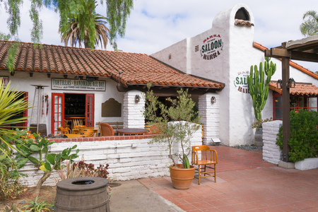 frontier: SAN DIEGO, CAUSA - SEPTEMBER 3, 2016: Barra Old Town Saloon at  Old Town San Diego State Historic Park.