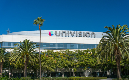 spanish language: LOS ANGELES, CAUSA - SEPTEMBER 11, 2016: Univision Los Angeles broadcast facilities and logo. Univision Communication is a United States Spanish language broadcast television network.