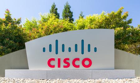 サンノゼ、カリフォルニア州アメリカ合衆国 - 2017 年 7 月 30 日: シスコ本社およびロゴ。シスコシス テムズ社は、アメリカの多国籍技術コングロマ
