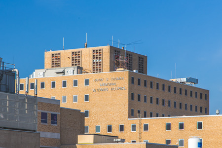 COLUMBIA, MO/USA - JUNE 8 , 2018: Harry S. Truman Memorial Veterans Hospital on the campus of the University of Missouri. Stock fotó - 112107019