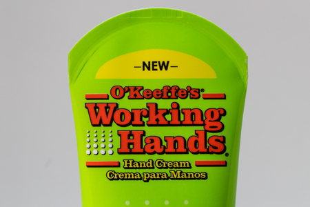 ST. PAUL, MN/USA - FEBRUARY 16, 2019: O'Keefe's Working Hands hand cream and trademark logo. Reklamní fotografie - 117317071