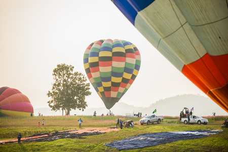 CHIANGRAI, THAILAND - February 13 : International Balloon Fiesta 2016 , February 13 2016 in Singha Park, CHIANGRAI, THAILAND Banque d'images - 102677850