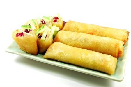 Les rouleaux de printemps Fried se trouvent généralement vendus dans la rue en Thaïlande. En général, les vendeurs qui les vendent à Bangkok vendent aussi des triangles de tofu frit profonde, gâteaux de taro déchiquetés frit, gâteaux frit navet déchiquetés et frit gâteaux de maïs.