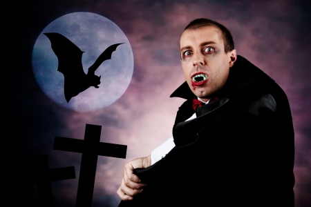 Portrait d'un homme avec le comte Dracula style de make-up Tourné dans un studio Banque d'images