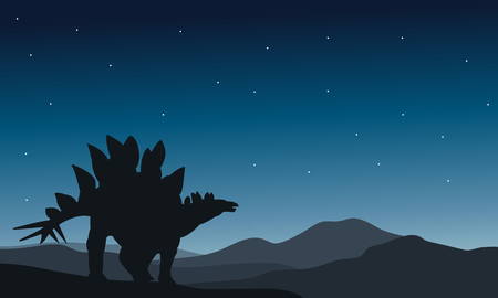 stegosaurus: estegosaurio bella silueta en la noche en colinas