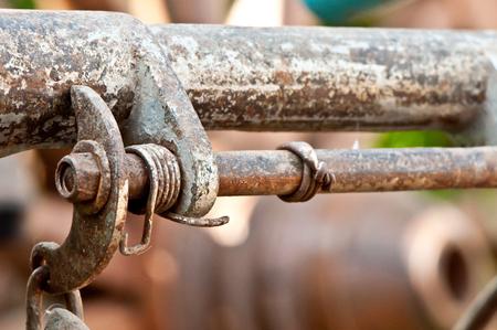 frenos: En los frenos de bicicletas antiguas viejo y oxidado