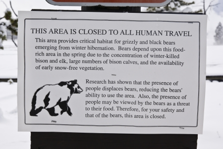 A sign in Yellowstone Park designed to protect grizzly and black bears from tourists Stock Photo - 14988188