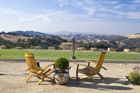 An inviting view of the rolling hils of Paso Robles famous wine country in California Stock Photo