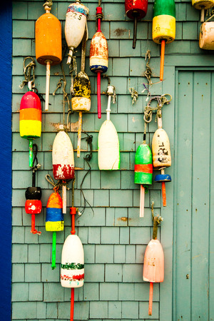 boyas: Colorful lobster buoys in Maine