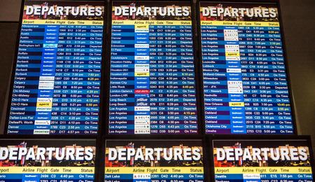 Las Vegas, NV -  Jan. 9, 2016: Airline departure board from Las Vegas, to everywhere 新聞圖片