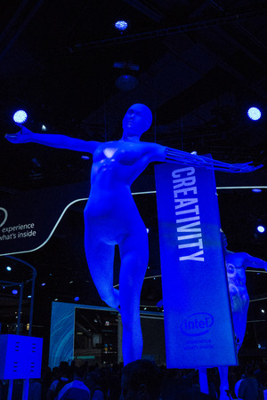Las Vegas, NV - Jan. 8, 2016:  The large Intel exhibit at CES 2016 reinforces that within most of the innovative products on display at the worlds largest trade show are increasingly powerful semiconductors bringing advances to peoples lives. 新聞圖片