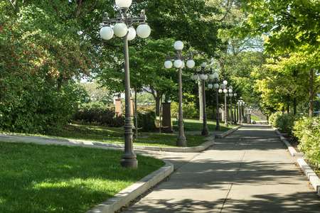 Lighted promenade through the park-like city center inside the fortress city of  Quebec. 版權商用圖片