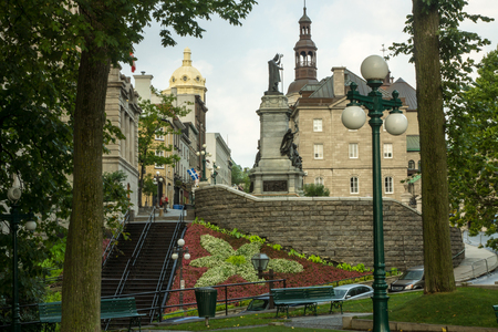 Quebec City, Quebec, Canada - Sept. 9, 2015: Quebec City exudes European charm at the juncture of lower and upper old towns,  the St, Lawrence River. 新聞圖片