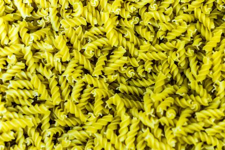 A bulk container with Fusilli pasta corkscrews 版權商用圖片 - 58200449