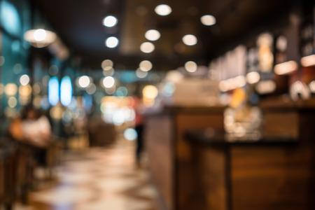 imagen: Desenfoque de la imagen o el desenfoque de la cafetería o en la cafetería para su uso como fondo Foto de archivo