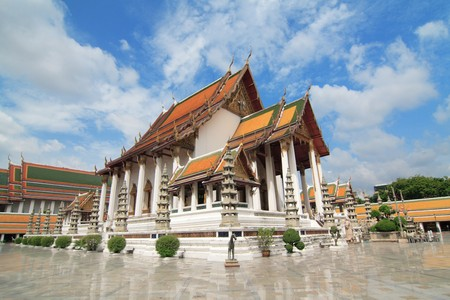 Rayal Tempel Wat Suthat Bangkok, Thailand Standard-Bild - 7467389