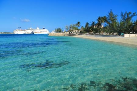 面白い船とマイアミの休暇日。