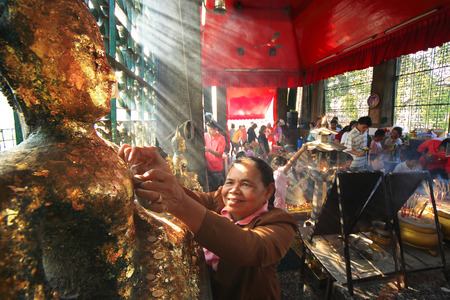 of homage: Merit pay homage to the Buddha